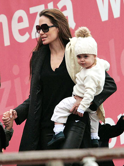 angelina-jolie and daughter vivienne